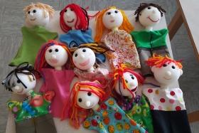 KD - Dan z lutkami
